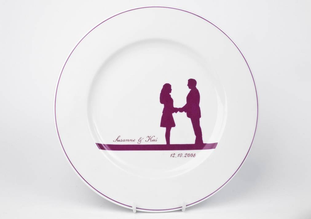 Favorit In der Auftragswerkstatt können Kunden sich das Porzellan nach KU04